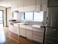 キッチンリフォーム 台所を増築後、システムキッチンに取替